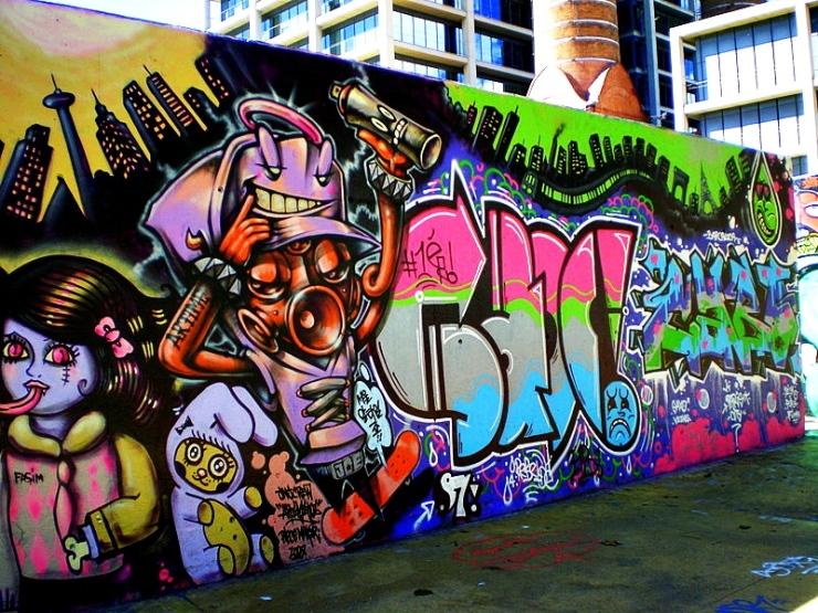 Graffiti_als_Jardins_de_les_Tres_Xemeneies_-_Poble_Sec.jpg